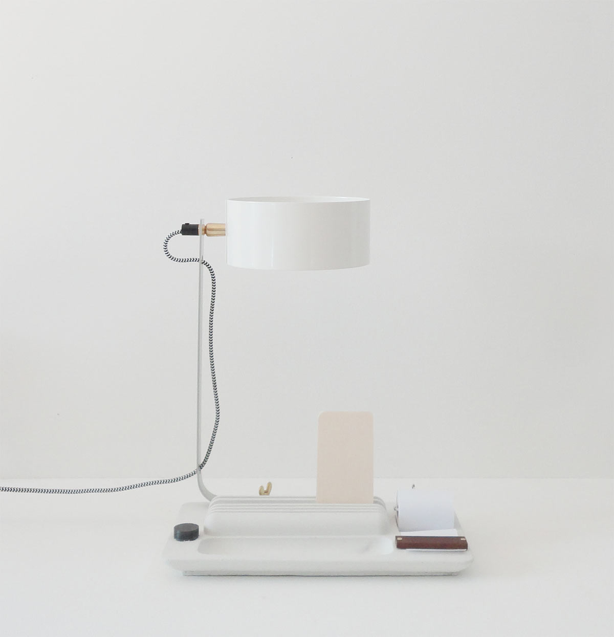 Back to Basic Lamp - concrete white - Studio Isabel Quiroga